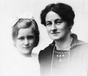 Biddy and Kathleen Chambers Wheaton College (Illinois), Oswald Chambers Papers, SC-122